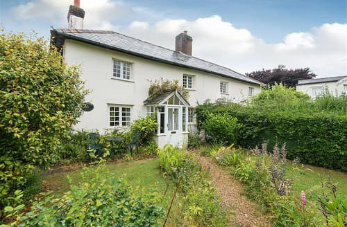 Last Minute Cottages - Mistletoe Cottage