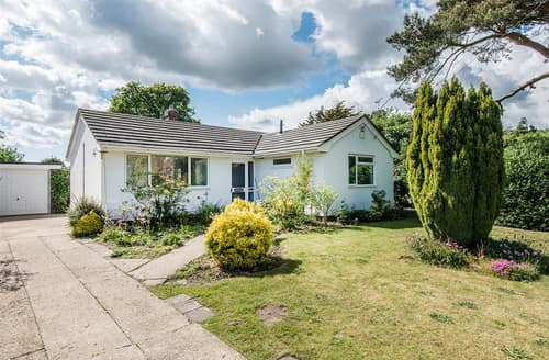 Last Minute Cottages - Quaint Bransgore Cottage S101965