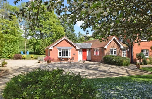Last Minute Cottages - Superb Redlynch Cottage S102168