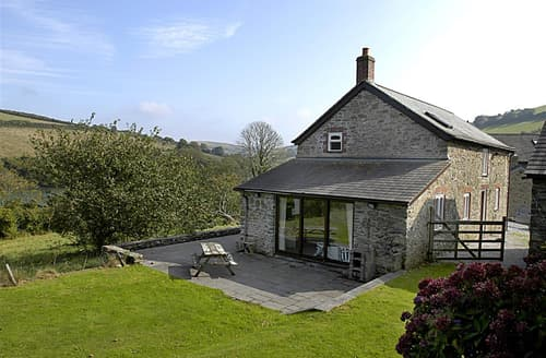 Last Minute Cottages - Apple Tree And The Love Shack