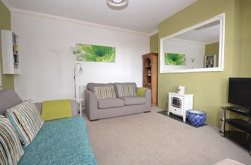 Last Minute Cottages - Lovely Cornwall Looe Apartment S102419