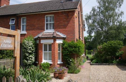 Big Cottages - Tasteful Brockenhurst Cottage S101988