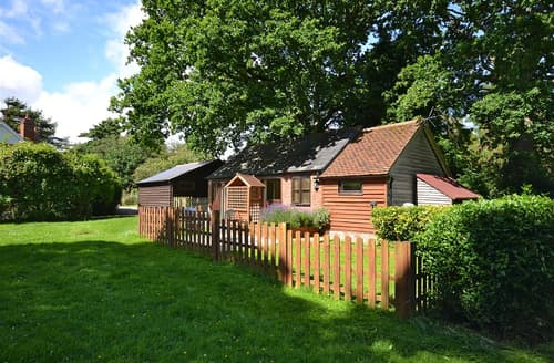 Last Minute Cottages - Cosy East Boldre Cottage S101710