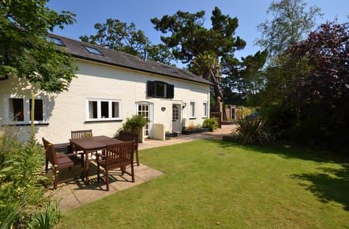Last Minute Cottages - Exquisite Lymington Cottage S102088