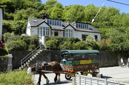 Last Minute Cottages - Adorable Cornwall Polperro Apartment S102373