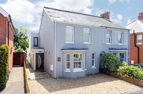 Last Minute Cottages - Delightful Lymington Cottage S104507