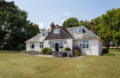 Last Minute Cottages - Sowley Gate House