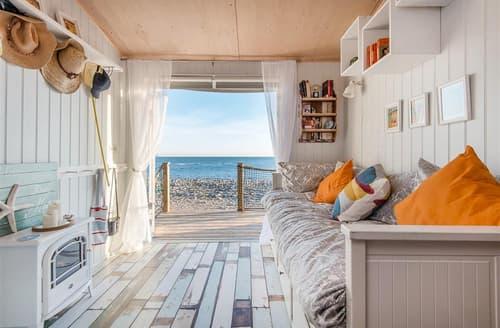 Last Minute Cottages - The Little Sea House