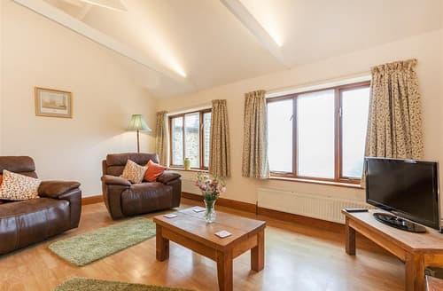 Last Minute Cottages - Attractive East Devon Colyton Apartment S102385