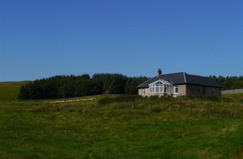 Last Minute Cottages - Cosy Clyde Valley Cottage S104815
