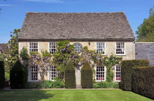 Big Cottages - Bruern Cottages   Shipton S122801