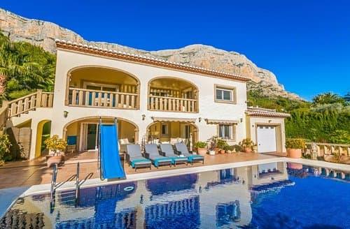 Last Minute Cottages - Villa Earlena
