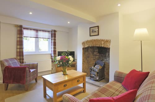Last Minute Cottages - Quaint Beccles Cottage S122930