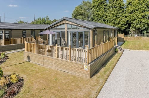 Last Minute Cottages - Charming Overseal Lodge S123124