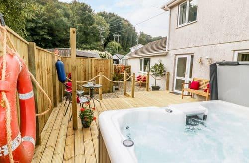 Last Minute Cottages - Cosy Seaton Cottage S123156