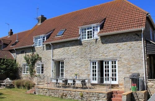 Last Minute Cottages - Captivating Weymouth Cottage S123230