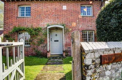 Last Minute Cottages - Delightful Britford Cottage S123256