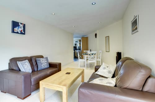 Last Minute Cottages - Splendid Abergavenny Apartment S123401
