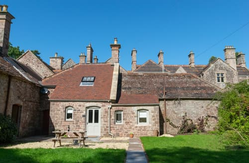 Last Minute Cottages - Adorable Usk Apartment S123402