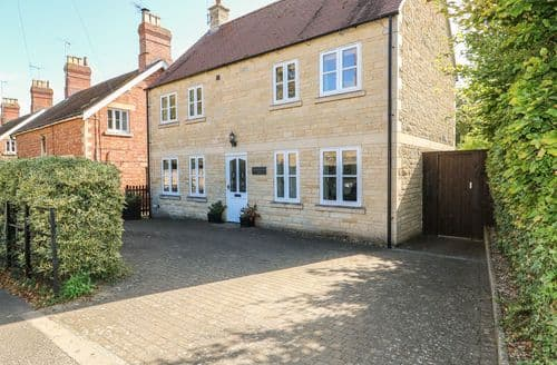 Last Minute Cottages - Exquisite Stamford Cottage S123423