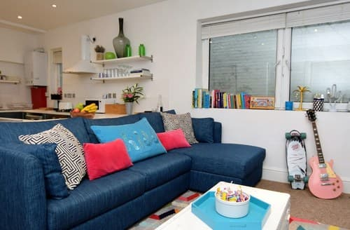 Last Minute Cottages - Tasteful St. Leonards On Sea Apartment S123435