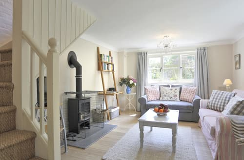 Last Minute Cottages - Waveney Lodge Cottage