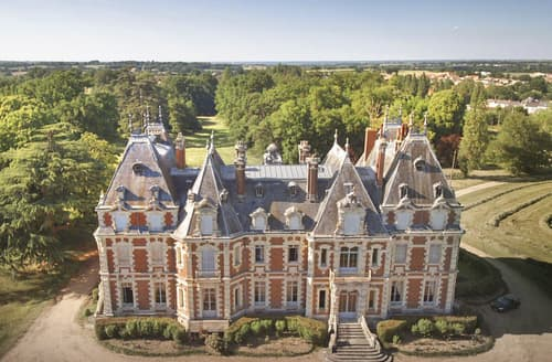 Last Minute Cottages - Chateau Des Dynasties