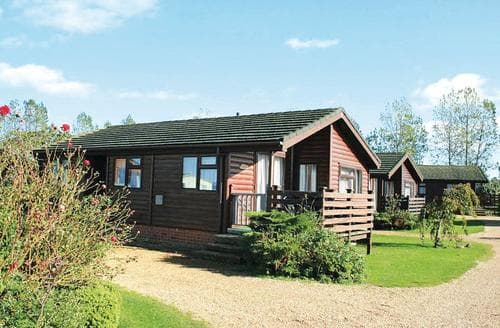 Last Minute Cottages - Charming Hunstanton Lodge S123577