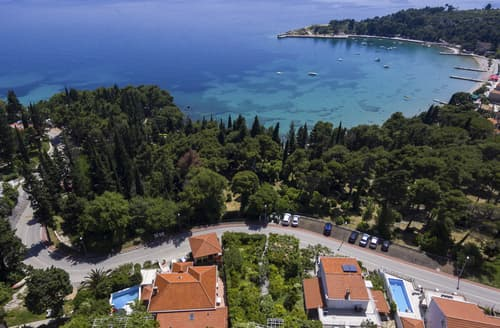 Last Minute Cottages - Villa Jadrien