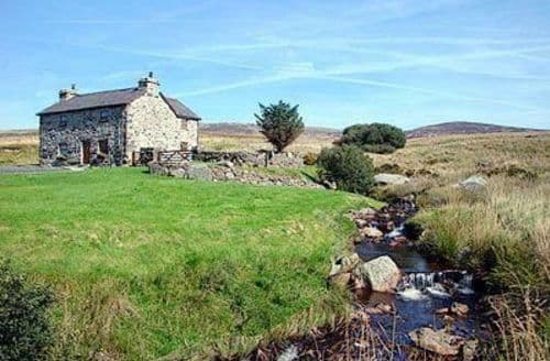 Last Minute Cottages - Ty Nant S105030