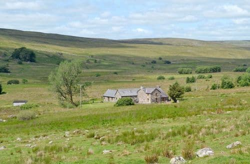 Big Cottages - Ty Nant & Lake View Barn S103392