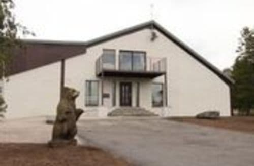 Last Minute Cottages - Castlewood House S123763