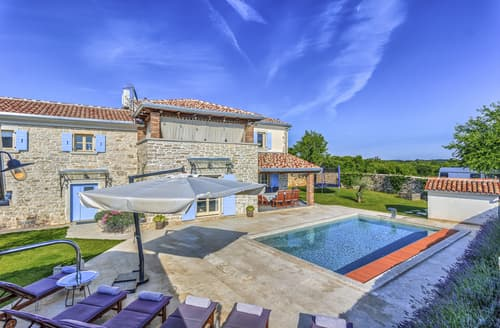 Last Minute Cottages - Attractive Krmed Cottage S123785