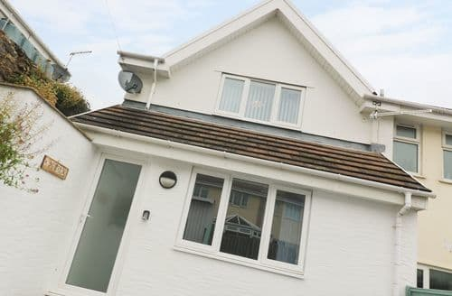 Last Minute Cottages - Inviting Redruth Cottage S123853