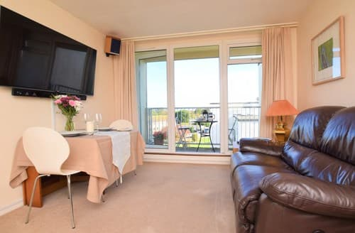 Last Minute Cottages - Exquisite Dawlish Apartment S124030