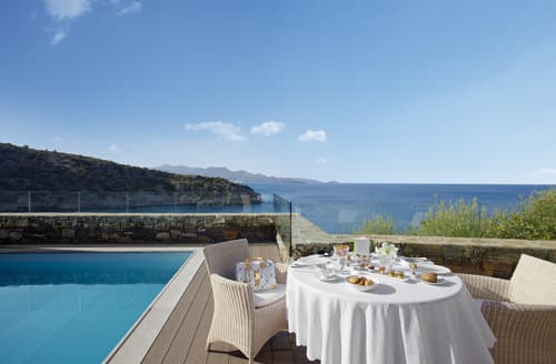 Last Minute Cottages - Daios Two Bedroomed Family Villa