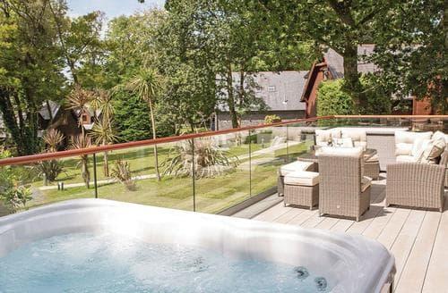 Last Minute Cottages - Delightful Praze An Beeble Lodge S124540