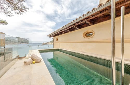 Last Minute Cottages - Villa Ainara