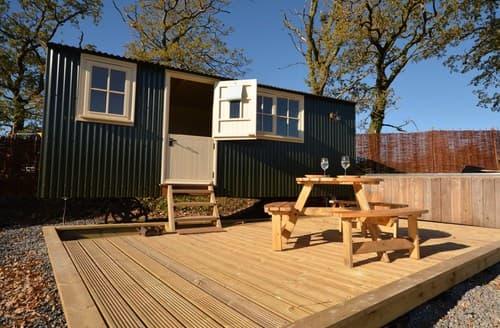 Last Minute Cottages - Exquisite Ammanford Log Cabin S124591