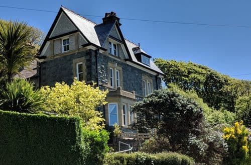 Big Cottages - High View House, Beautiful Barmouth Property. S103213