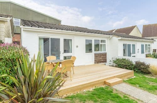 Last Minute Cottages - Beautiful Yarmouth Cottage S124810