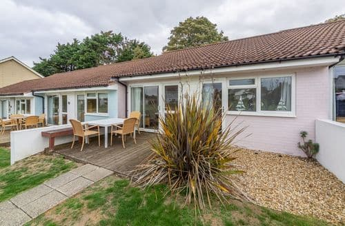 Last Minute Cottages - Superb Yarmouth Cottage S124813