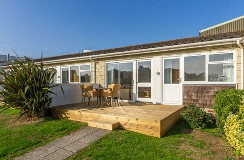 Last Minute Cottages - Cosy Yarmouth Cottage S124815
