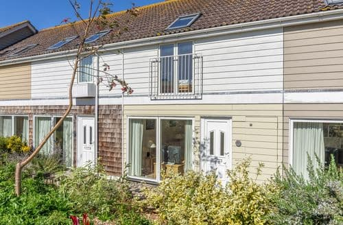 Last Minute Cottages - Splendid Yarmouth Cottage S124822