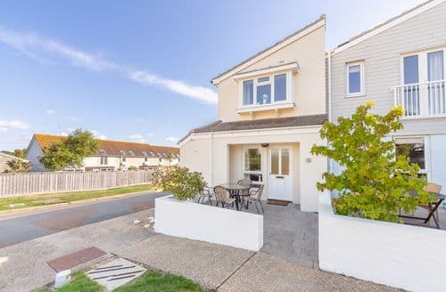 Last Minute Cottages - Exquisite Yarmouth Cottage S124827