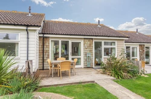Last Minute Cottages - Charming Yarmouth Cottage S124848