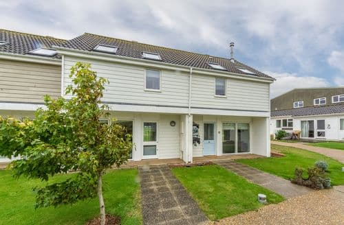Last Minute Cottages - Superb Yarmouth Cottage S124858