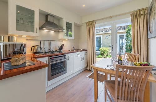 Last Minute Cottages - Delightful Yarmouth Cottage S124859