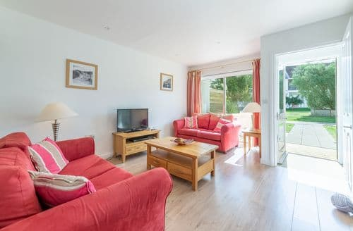 Last Minute Cottages - Charming Yarmouth Cottage S124876