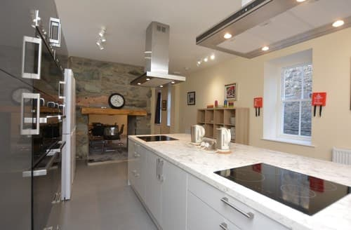 Last Minute Cottages - Tasteful Dolgellau House S124935